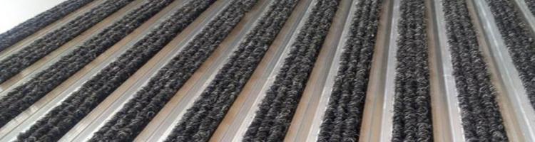 алуминиева система с мокет с монофилни влакна изтривалки с алуминиеви профили и вложки
