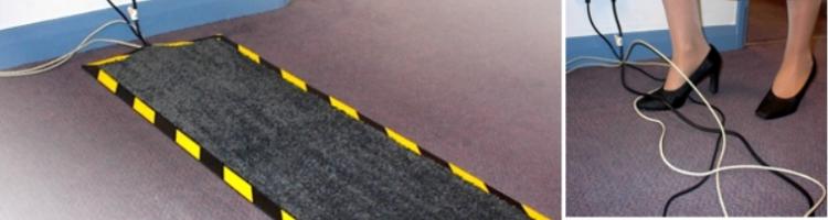 кабел постелка килимче за скриване на кабели с вграден улей в основата изтривалка