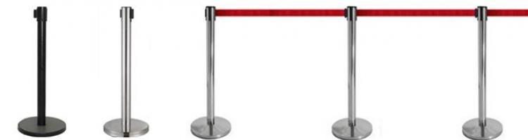 метално колче с лента разделителна колонка с издърпваща се лента колче с червена лента колче със синя лента ограничители с лента ограждения с лента за събития
