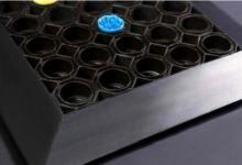 Изтривалка от подсилен каучук с отворени легла гумена изтривалки с дупки тип пчелна пита изтривалки против подхлъзване каучукова изтривалка с дупки