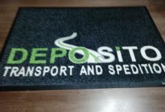 изтривалка по проект на клиента Deposito сива основа лого зелено сиво бяло каучукова основа с борд