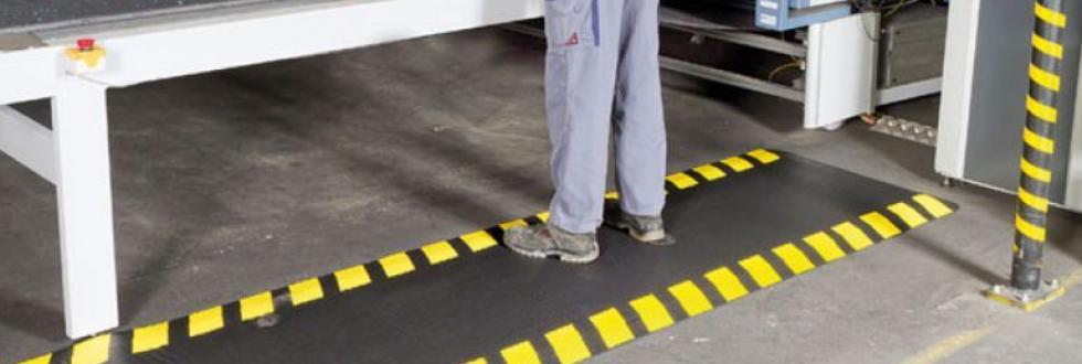 гумени подложки за производствени цехове гумена постелка антистатична диелектрично килимче диелектрични подложки диелектична постелка антистатична подложка